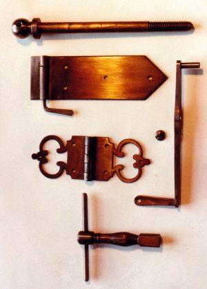 Copie du Sébastien Garnier 1747: charnières, levier et clé d'accord. Anne-Ian-Tucker