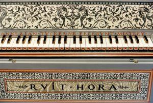 Clavecin d'après Ruckers 1635: décoration du tour de clavier. Anne-Ian-Tucker
