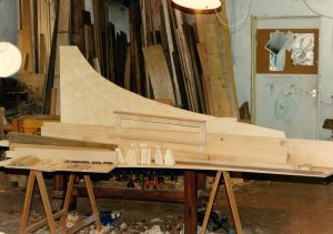 03_Toutes les parties du clavecin sont préparées. Anne & Ian Tucker.